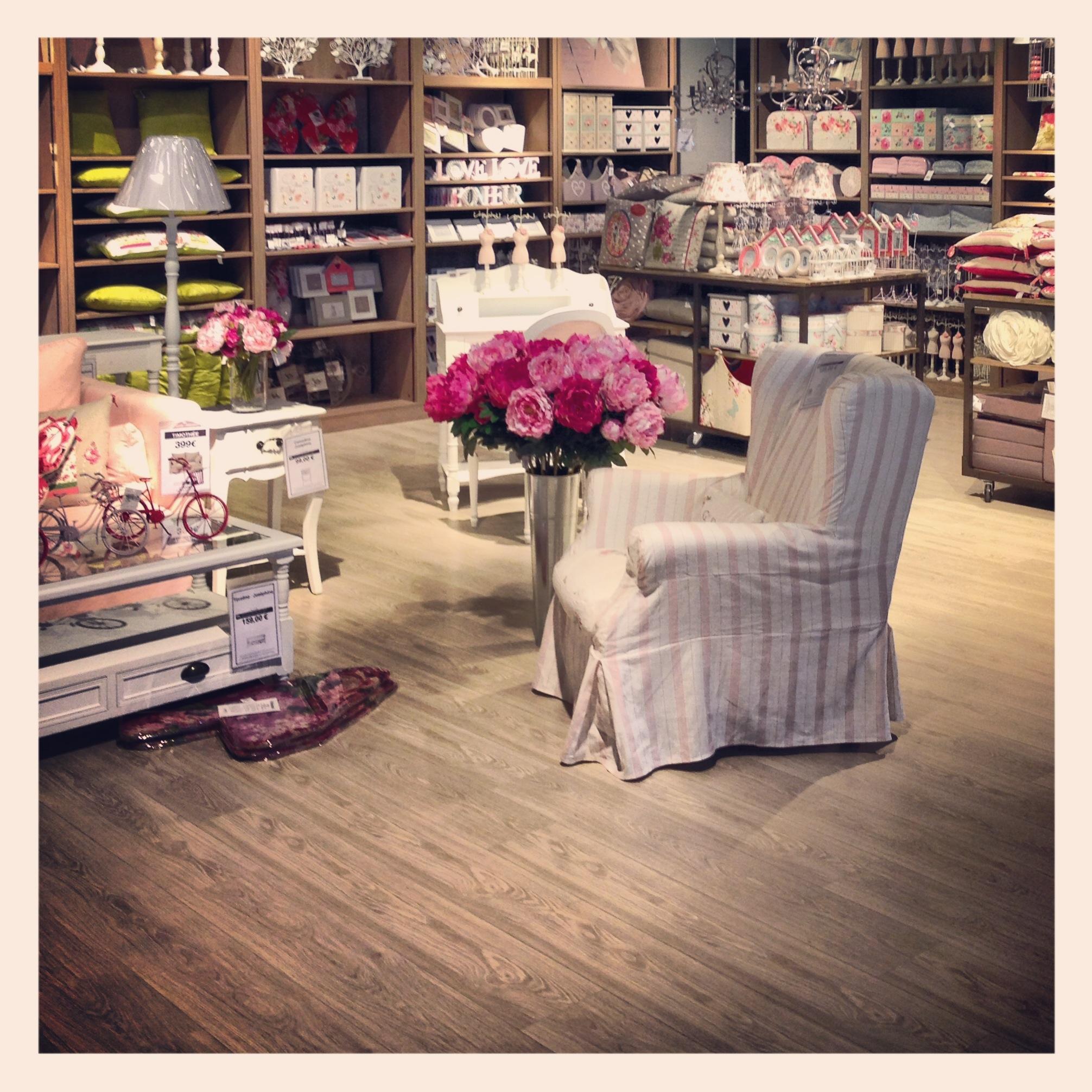 Il paese dei balocchi pepe rosa for Catena negozi arredamento casa